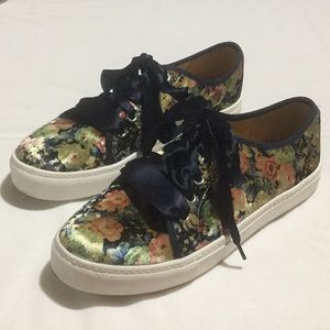 """Host Pick"" Dirty Laundry Floral Velvet Lace Up"
